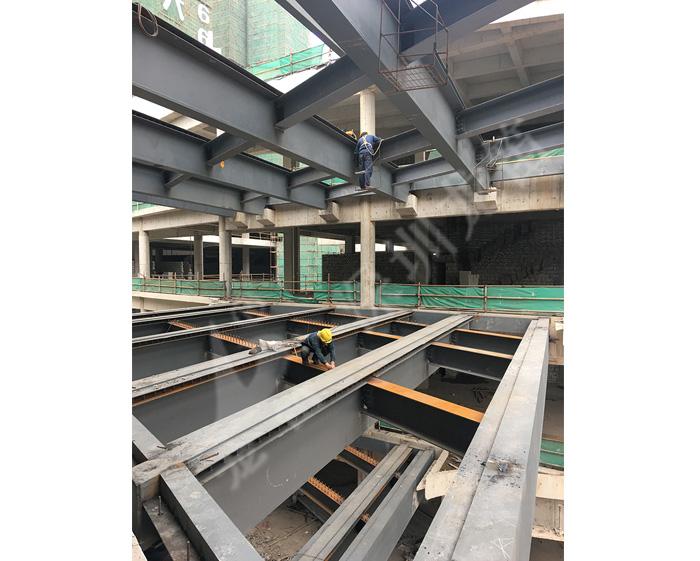 灿邦新天地钢结构连廊工程