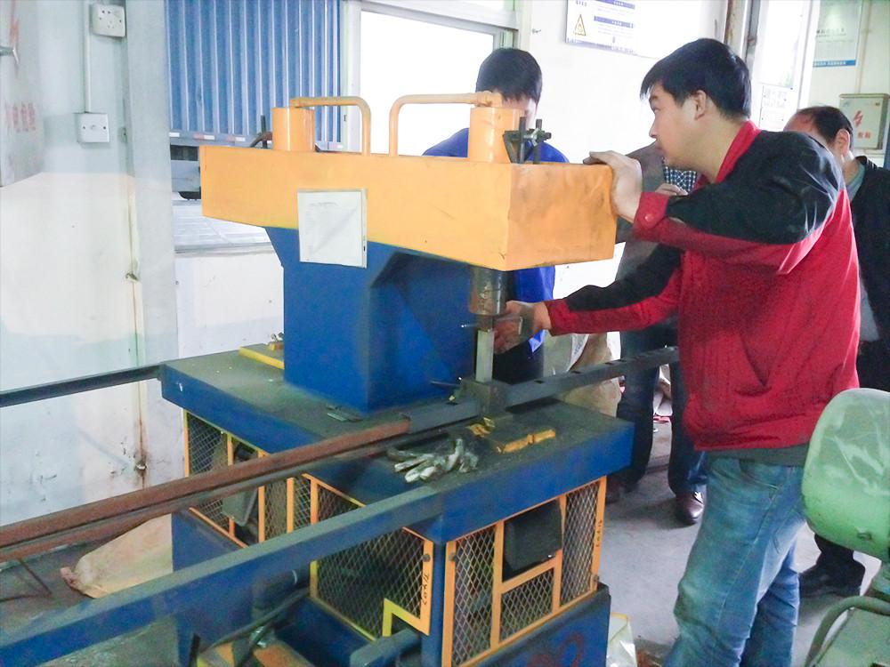 装配式栏杆冲孔设备(台湾技术)